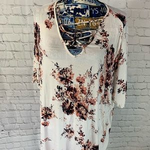 Maurices size 3 plus flower top